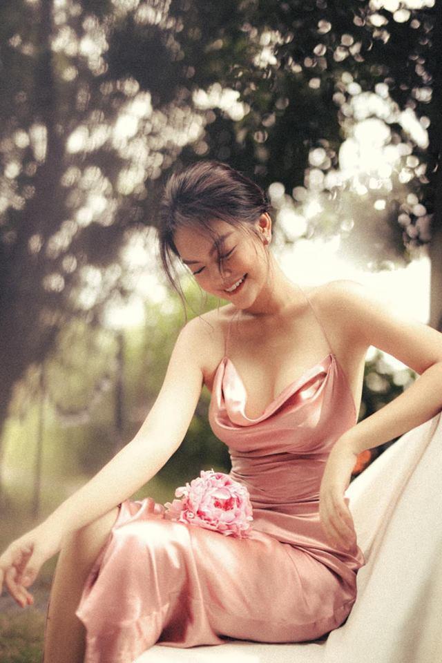 Bên cạnh việc chăm chỉ tung ra những sản phẩm âm nhạc mới, Phạm Quỳnh Anh cũng nhận được nhiều lời khen ngợi về nhan sắc và phong cách hiện tại.