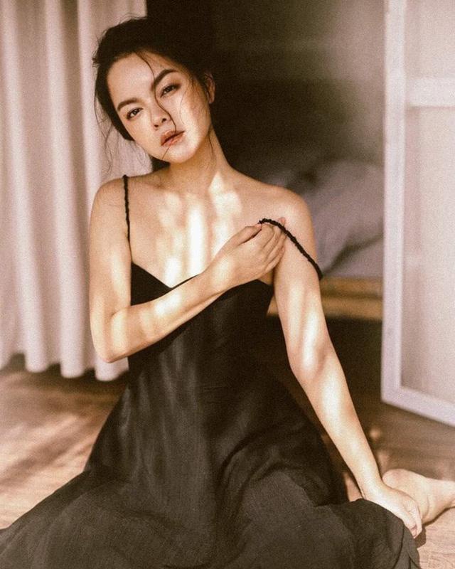 Sau cuộc hôn nhân sóng gió với ông bầu Quang Huy, Phạm Quỳnh Anh được nhận xét là xinh đẹp và nóng bỏng hơn hẳn.