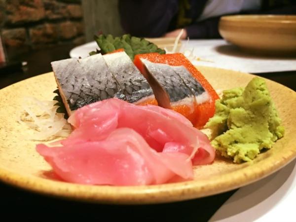 Đi 4 người nhưng chỉ trả tiền 2 suất buffet, mẹ trẻ Hà Nội bị nhà hàng sushi tố ngược rằng 'lách luật' để cho con ăn ké? 3
