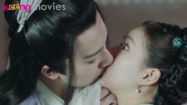 Thu Nguyệt một lần nữa lại cưỡng hôn Xuân Hoa