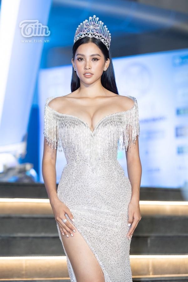 Đại sứ Hoa hậu Thế giới Việt Nam 2019 - Trần Tiểu Vy ngày càng sắc sảo sau một năm đăng quang Hoa hậu Việt Nam 2018