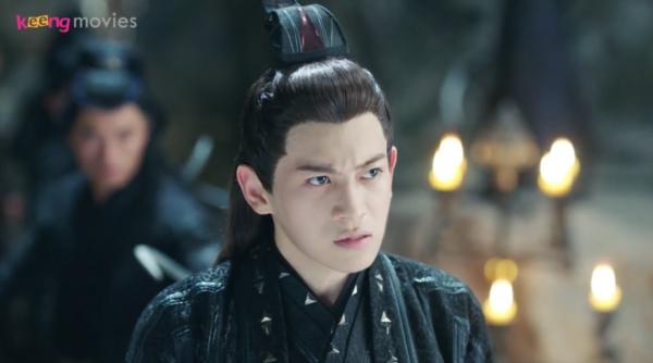 Nhưng khi tỉnh lại, hắn ta lại cho người bao vây nhằm giết chết Thượng Quan Thu Nguyệt