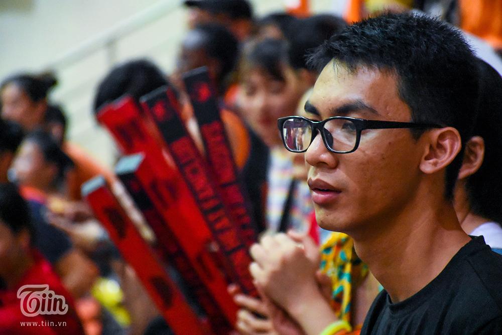 Nhận lời 'triệu tập', fans Danang Dragons cùng đội bóng tạo nên khoảnh khắc đáng nhớ nhất mùa giải 3