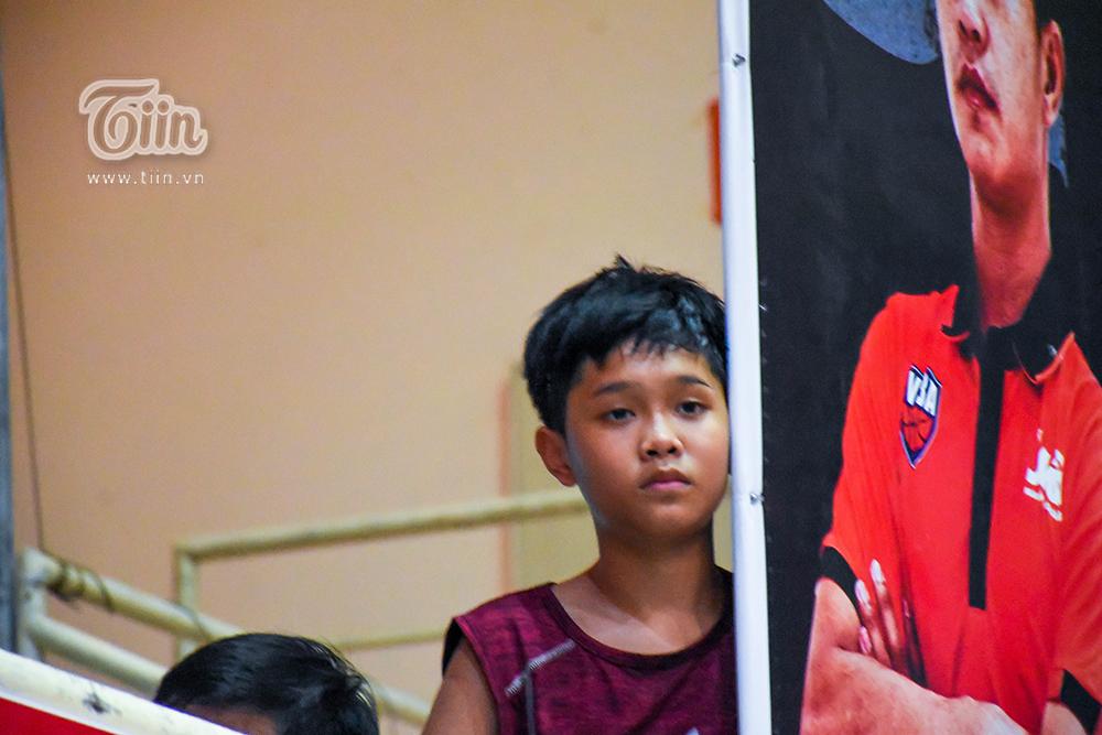 Trận đấu gặp Saigon Heat tối qua trên sân Quân khu 5 cũng được xem là trận cuối của 'Rồng Đà Nẵng' thi đấu trênsân nhà trong mùa giải VBA 2019, điều này càng khiến cho nhiều khán giả trung thành của Danang Dragons không khỏinuối tiếc.