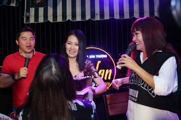 Phương Thanh khiến Ngọc Lan hết khóc rồi cười khi nghe hát, vỡ òa vì sinh nhật bất ngờ 2