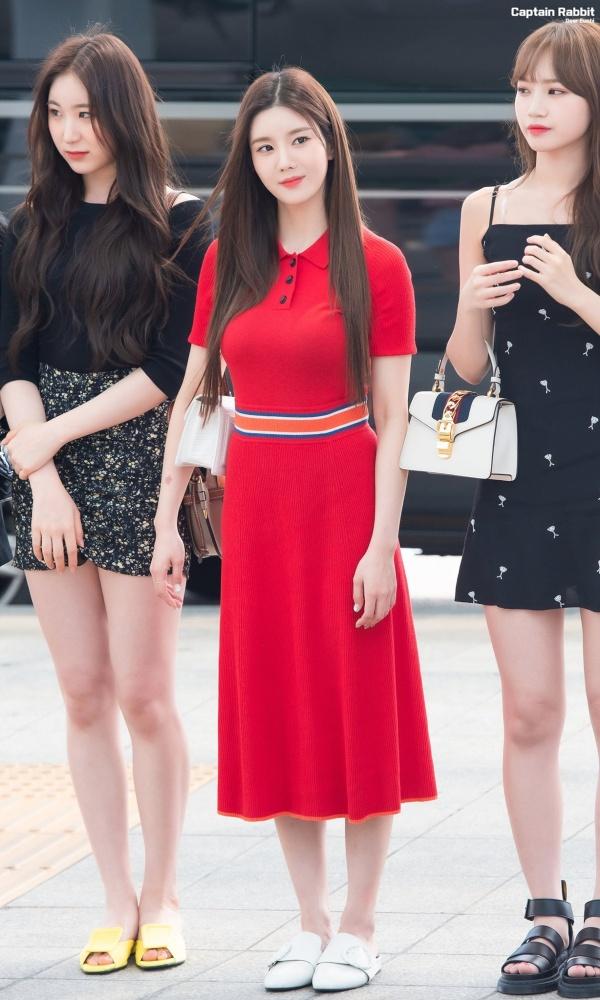 Cùng diện váy dìm dáng, bản sao Irene lại bất ngờ thắng thế trước Joy (Red Velvet) 4
