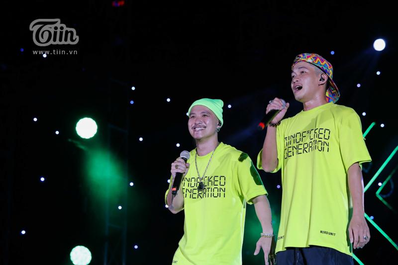 Huỳnh James và Pjnboys 'quẩy' hết mình trên sân khấu 'Tự Dưng Show 2019' 0