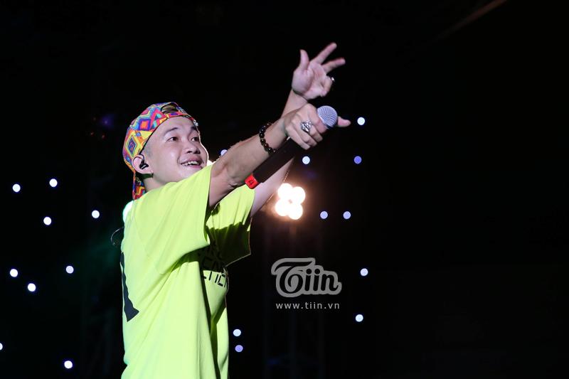 Huỳnh James và Pjnboys 'quẩy' hết mình trên sân khấu 'Tự Dưng Show 2019' 8