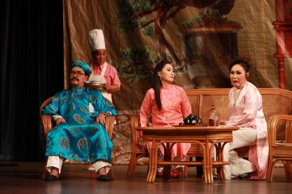 Trở lại sau tuyên bố giải nghệ, Hoài Lâm hát cải lương 'ngọt như mía lùi' 2
