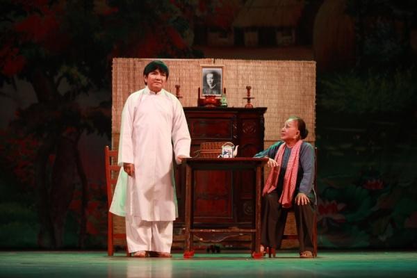 Trở lại sau tuyên bố giải nghệ, Hoài Lâm hát cải lương 'ngọt như mía lùi' 5