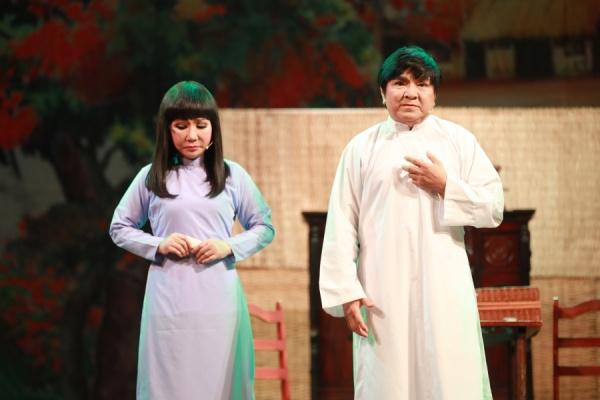 Trở lại sau tuyên bố giải nghệ, Hoài Lâm hát cải lương 'ngọt như mía lùi' 6