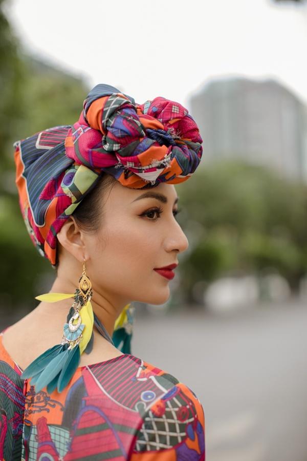 Cạnh đó, vào cuối tháng 8,nànghậu sẽ cùng con gáisẽ về Nha Trang để tổ chức đám cưới cho em gái của mình.