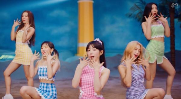Tung MV mới với tên kỳ quặc, Red Velvet không quên 'cà khịa' luôn thành viên số nhọ Seulgi 5