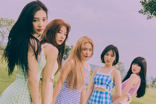 Vẫn 'chơi chiêu' công chiếu MV, liệu Red Velvet có 'lấy lại những gì đã mất' trước Jack và 'Sóng gió'? 2