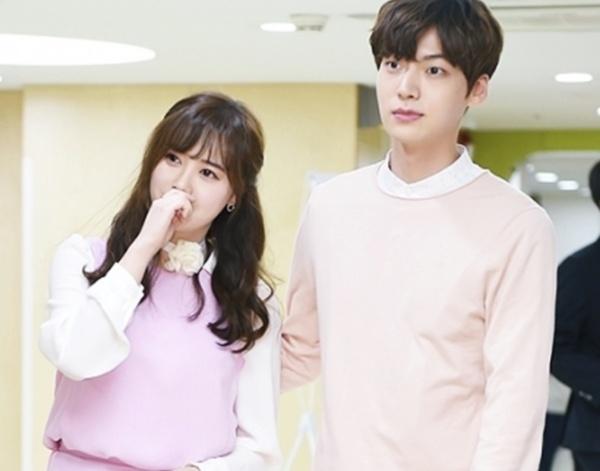 Hàng xóm nhà Ahn - Goo tiết lộ: Goo Hye Sun buồn bã mỗi ngày, Ahn Jae Hyun là kẻ nghiện rượu thứ thiệt! 2
