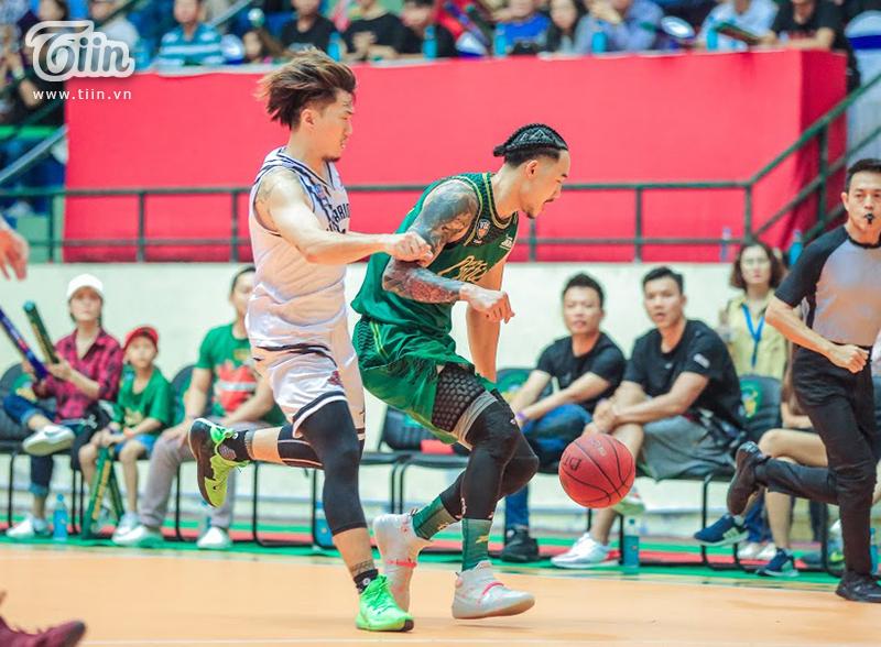 Hạ gục Thang Long Warriors ở 3 giây chót, Cantho Catfish đặt chân vào Chung kết VBA 2019 2