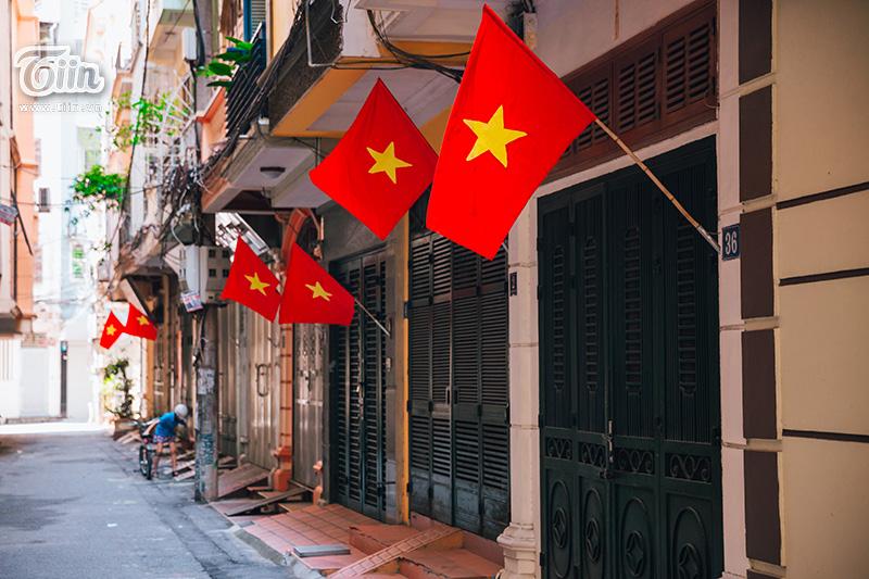 Phố phường Hà Nội rực rỡ cờ đỏ sao vàng mừng ngày Quốc Khánh 8