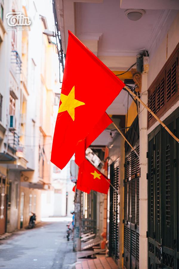 Phố phường Hà Nội rực rỡ cờ đỏ sao vàng mừng ngày Quốc Khánh 10