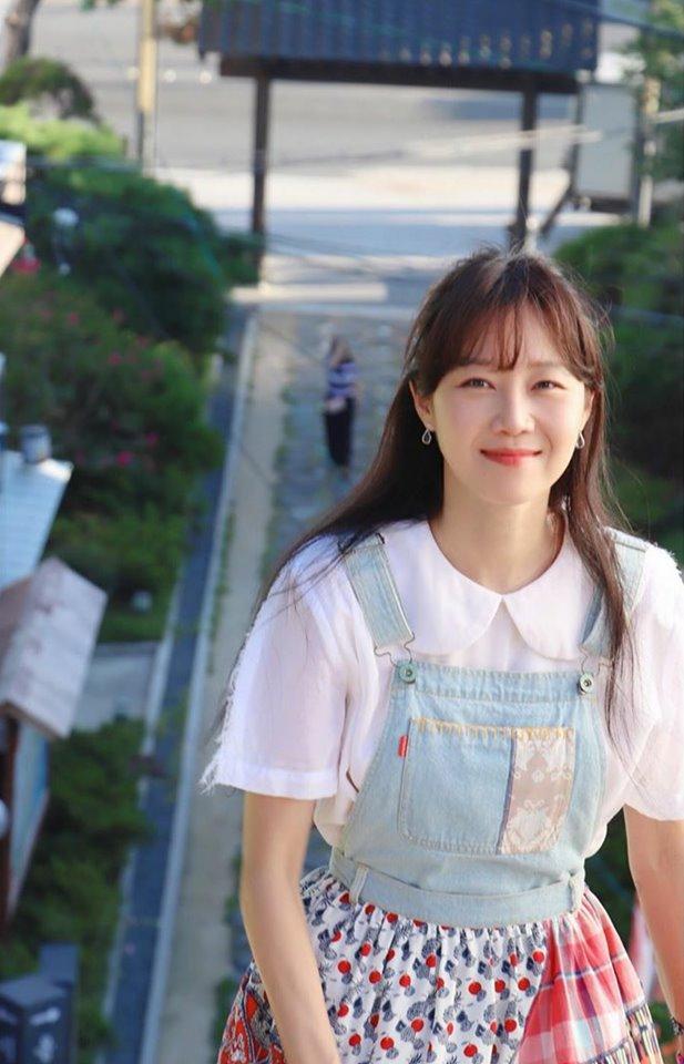 Chạm ngưỡng 40, nữ diễn viên Gong Hyo Jin vẫn là Gongvely dễ thương, thu hút người đối diện
