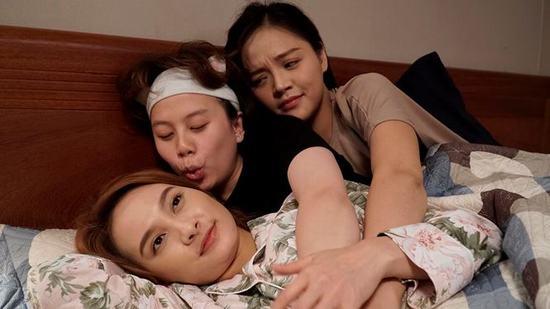 Ba chị em Huệ - Thư - Dương trong phim vớitính cách và số phận khác nhau.