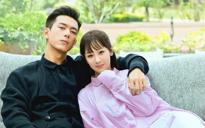 Dương Tử và Lý Hiện trong phim Cá mực hầm mật, bộ phim hot của tháng 7 khi liên tục lên hotsearch weibo