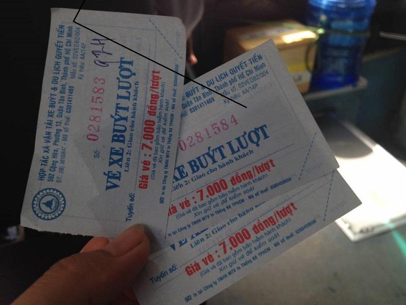 Nữ lơ xe buýt bị mất việc vì một thanh niên trốn 7 nghìn tiền vé 1