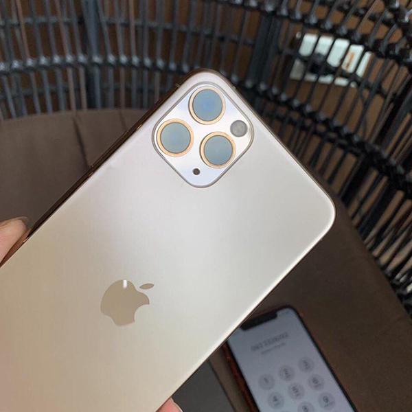 Người đàn ông Việt sở hữu 3 'siêu phẩm' iPhone 11 dù chưa mở bán khiến dân mạng 'ghen tỵ' 1