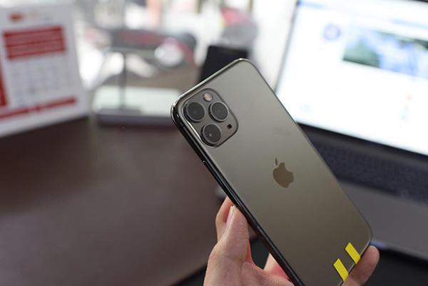 Người đàn ông Việt sở hữu 3 'siêu phẩm' iPhone 11 dù chưa mở bán khiến dân mạng 'ghen tỵ' 3