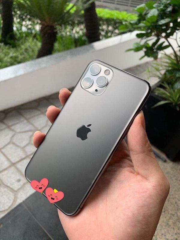 Cận cảnh chiêc iPhone mới của nhà Apple.