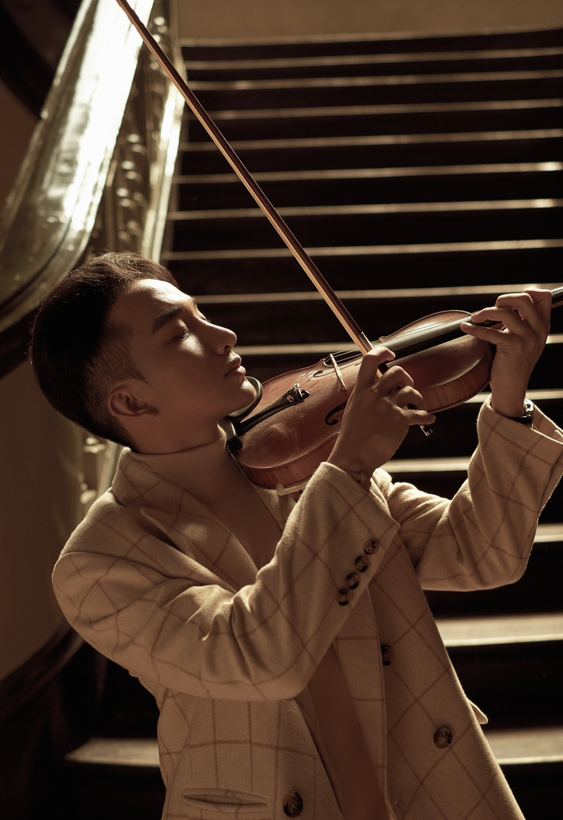'Trò chuyện' của Hoàng Rob: Cây violin 'so giọng' với những ca sĩ tài năng 0