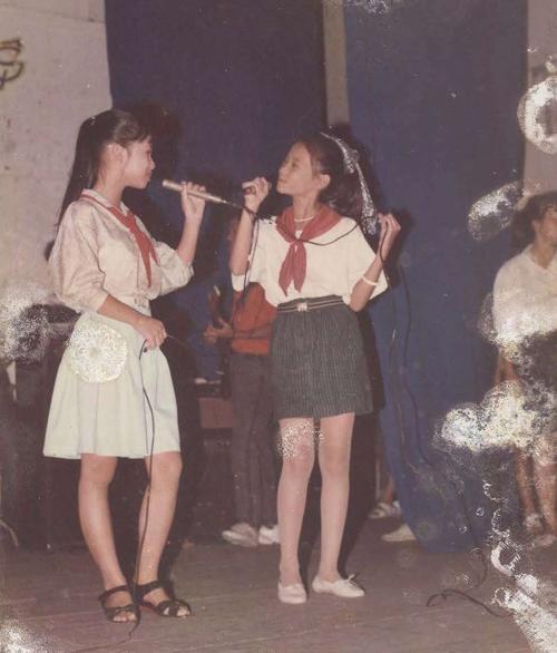 Bộc lộ năng khiếu ca hát từ nhỏ, Thu Minh cũng được gia đình, đặc biệt là bố ủng hộ theo đuổi đam mê.
