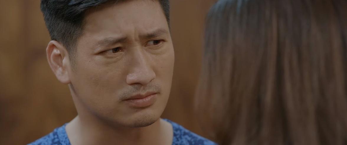 Mở đầu cuộc nói chuyện của Thái và Khuê, không biết Thái đã nắm được thông tin gì mà nhân vật này toát mồ hôi, trợn mắt, nghiến răng hỏi vợ 'Có phải cô muốnông ăn chả, bà ăn nem có đúng không?'.