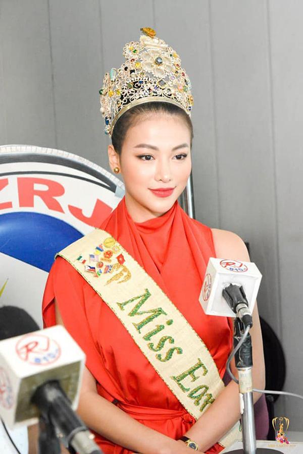 Phương Khánh xuất hiện xinh đẹp trên kênh truyền hình hàng đầu của Philippines 2