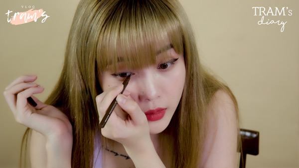 Thiều Bảo Trâm hướng dẫn 2 cách kẻ mắt 'xịn sò' trong vlog làm đẹp mới 1
