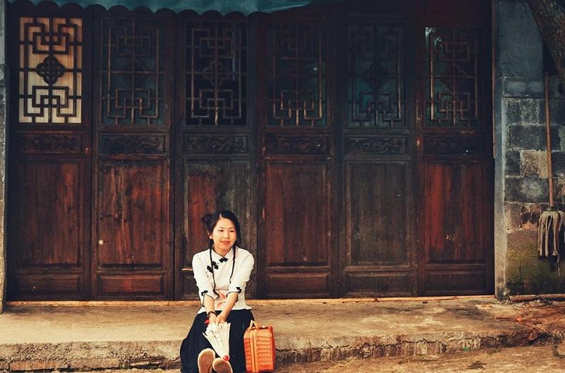 Vợ mê đồ cổ trang, 'chồng nhà người ta' dành cả thanh xuân đưa vợ đi khắp Trung Quốc và chụp hàng 'kho ảnh sống ảo' 1