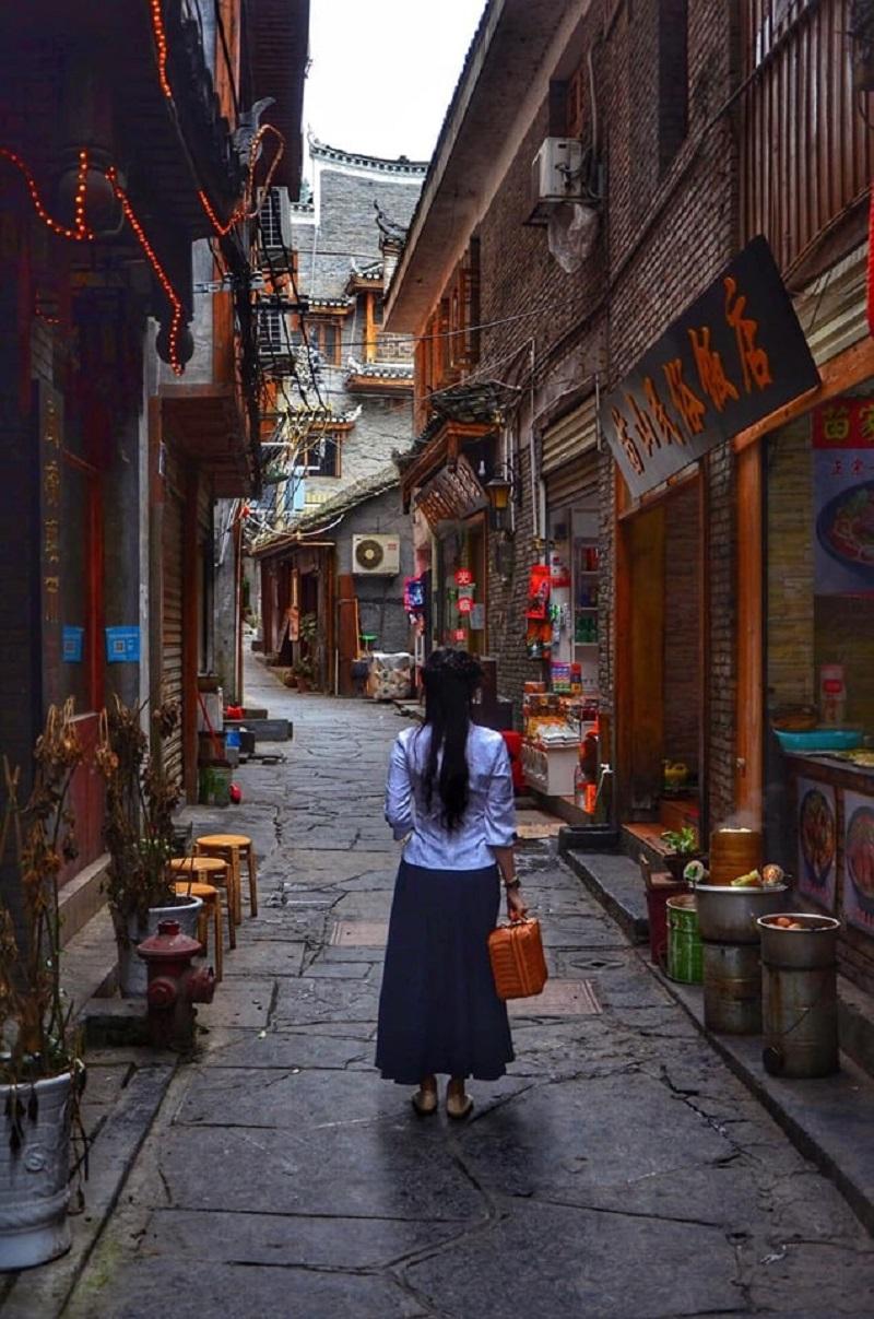 Vợ mê đồ cổ trang, 'chồng nhà người ta' dành cả thanh xuân đưa vợ đi khắp Trung Quốc và chụp hàng 'kho ảnh sống ảo' 6