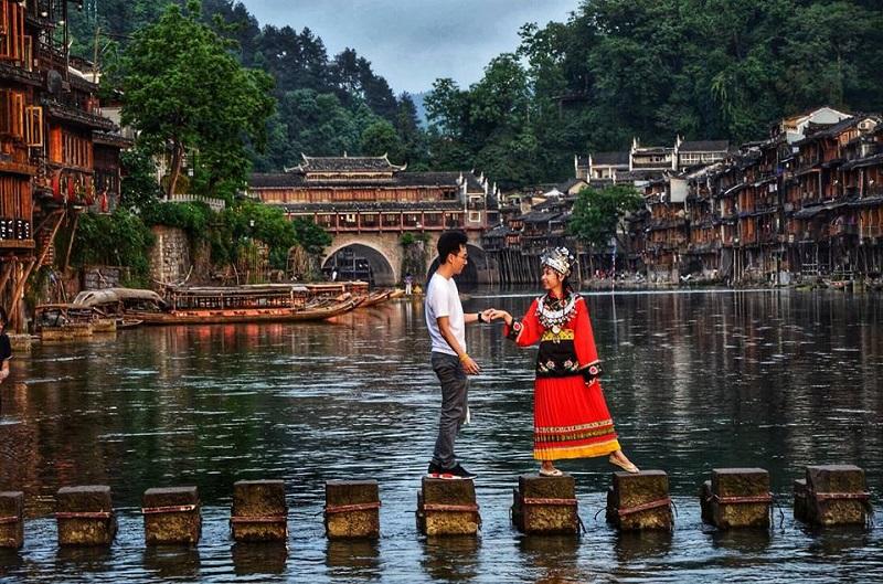 Vợ mê đồ cổ trang, 'chồng nhà người ta' dành cả thanh xuân đưa vợ đi khắp Trung Quốc và chụp hàng 'kho ảnh sống ảo' 9