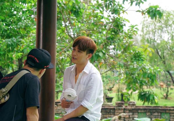 Không chỉ chạy show liên tục, Hồ Quang Hiếu còn cầm cố nhà cửa, kiếm tiền trang trải cho web drama mới 3