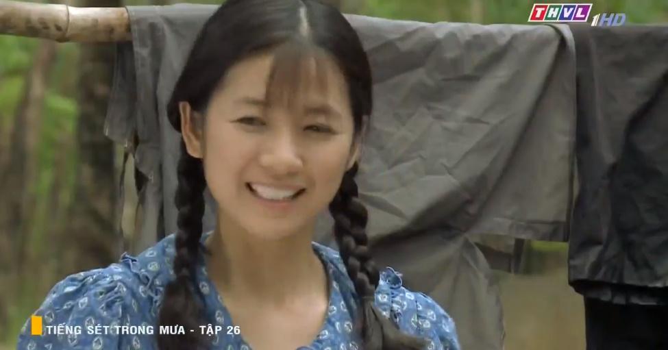 'Tiếng sét trong mưa' tập 26: Đang làm 'cô tiên dọn dẹp', con gái của Thị Bình suýt bị cai đồn điền cưỡng bức 9