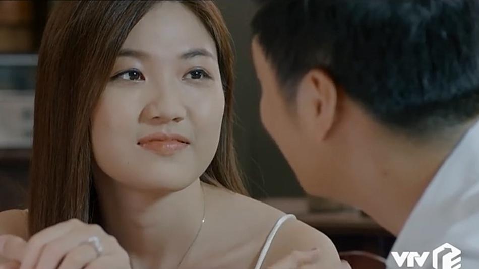 'Hoa hồng trên ngực trái': Chỉ cần một câu 'Ở nhà anh nuôi' mà Thái bẫy được cả Khuê lẫn Trà 3