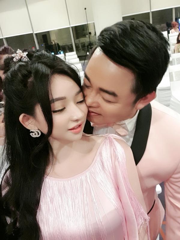 Quang Lê lộ ảnh thân mật với vợ cũ của Hồ Quang Hiếu 2