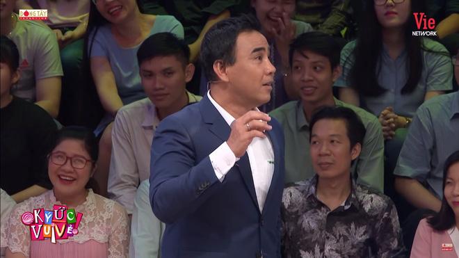 Quyền Linh bất ngờ thay thế Tự Long, MC Lại Văn Sâm: 'Chỉ có Quyền Linh mới xứng đáng ngồi ở đây' 2
