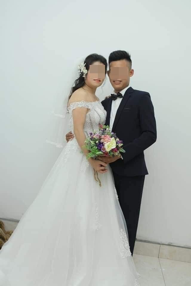 Chân dung cặp đôi cô dâu chú rể cách nhau 21 tuổi