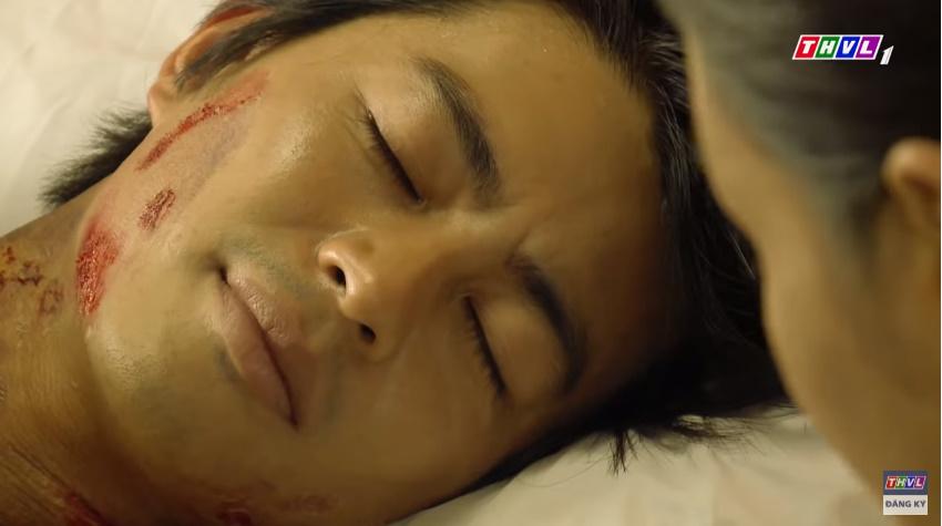 'Tiếng sét trong mưa' tập 41: Thị Bình khóc nức nở hát ru con trai ngủ, liệu cậu Hai có thấy tuổi thơ ùa về? 15