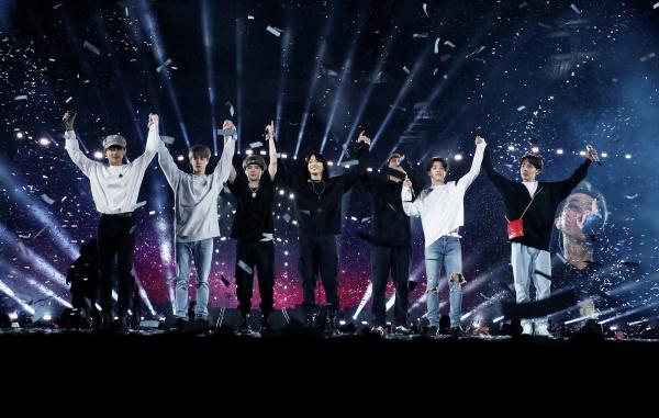 Tiết lộ gây sốc: Vừa xuống sân khấu là BTS phải vớ ngay mặt nạ oxy vì kiệt sức, không thở nổi 2