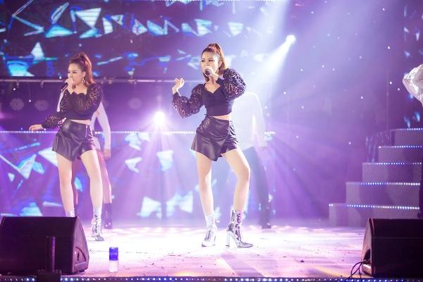 Mang hai ca khúc tự sáng tác lên sân khấu, nhóm Gemini 'so kè' độ nóng bỏng với nhóm nhạc Hàn 4