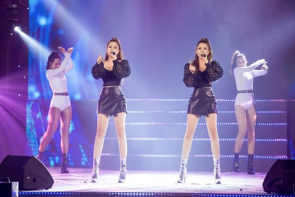 Mang hai ca khúc tự sáng tác lên sân khấu, nhóm Gemini 'so kè' độ nóng bỏng với nhóm nhạc Hàn 2