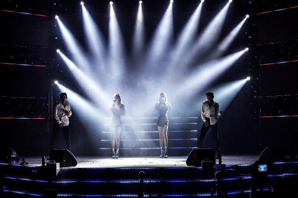 Mang hai ca khúc tự sáng tác lên sân khấu, nhóm Gemini 'so kè' độ nóng bỏng với nhóm nhạc Hàn 5