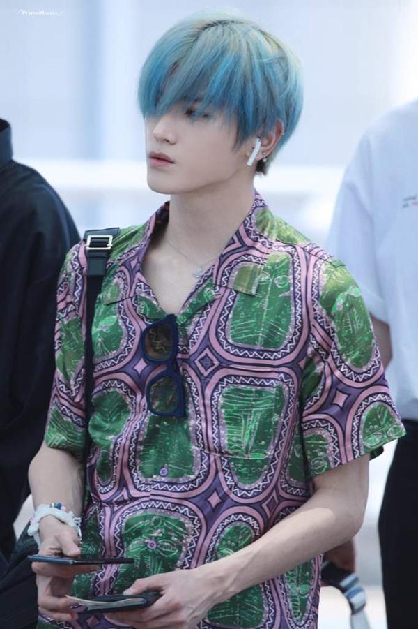 Không hề kém cạnh 'đàn anh đàn em', Taeyong cũng có một 'bộ sưu tập' màu tóc cực đẹp.