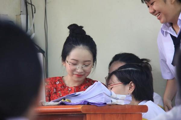 Phát hiện cô giáo thực tập 'cute phô mai que', học sinh chỉ muốn xin ngay vào học 2